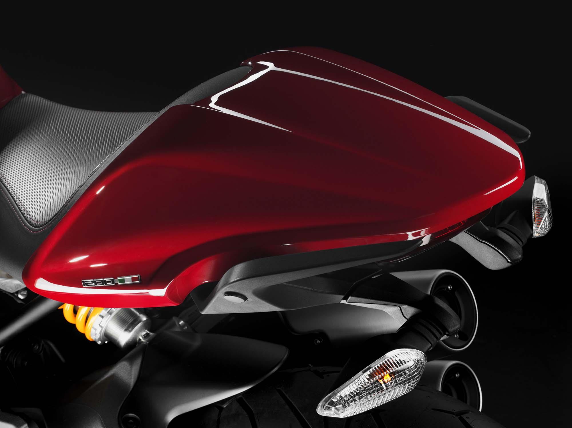 http://www.asphaltandrubber.com/wp-content/uploads/2013/11/2104-Ducati-Monster-1200-071.jpg