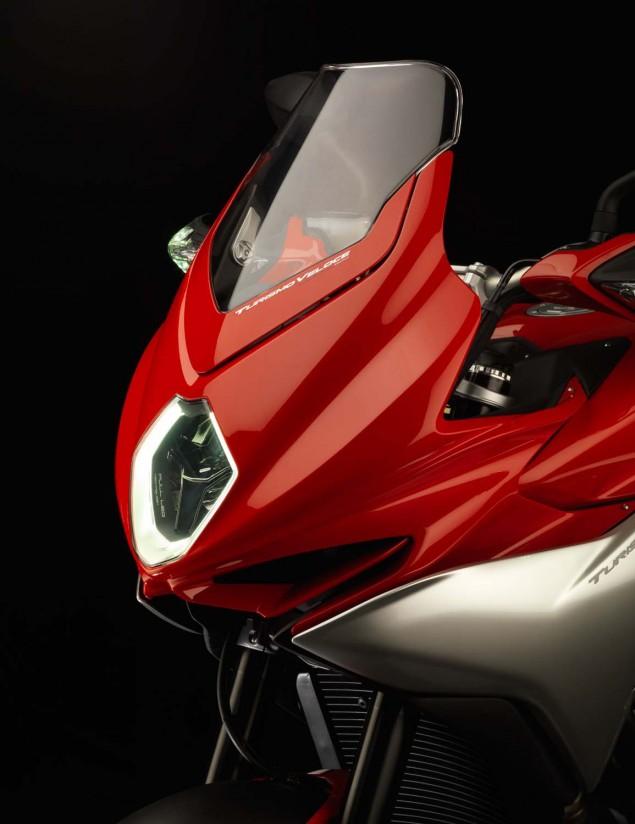 MV Agusta Turismo Veloce 800   Stylish Sport Touring 2104 MV Agusta Turismo Veloce Lusso 800 07 635x824