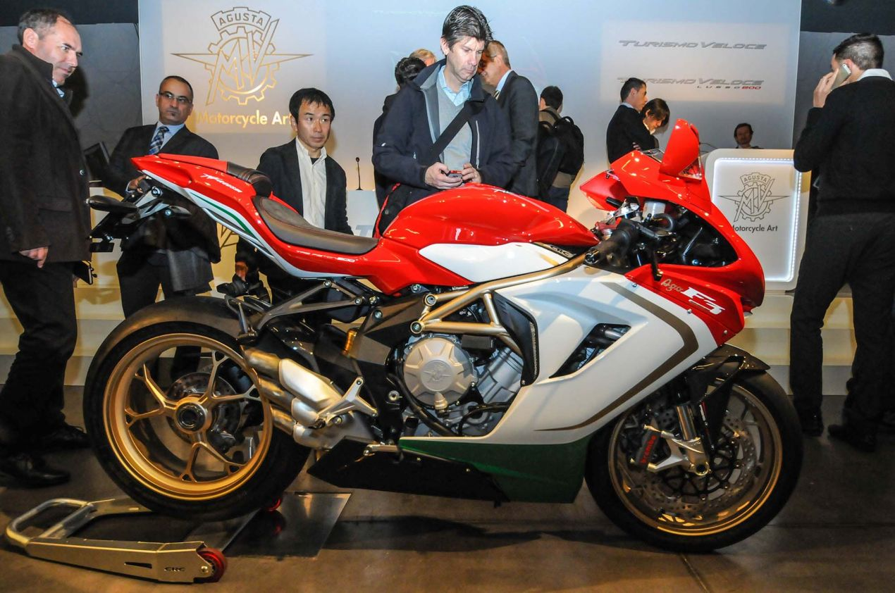 Up Close with the MV Agusta F3 800 Ago MV Agusta F3 800 Ago EICMA 06 635x421