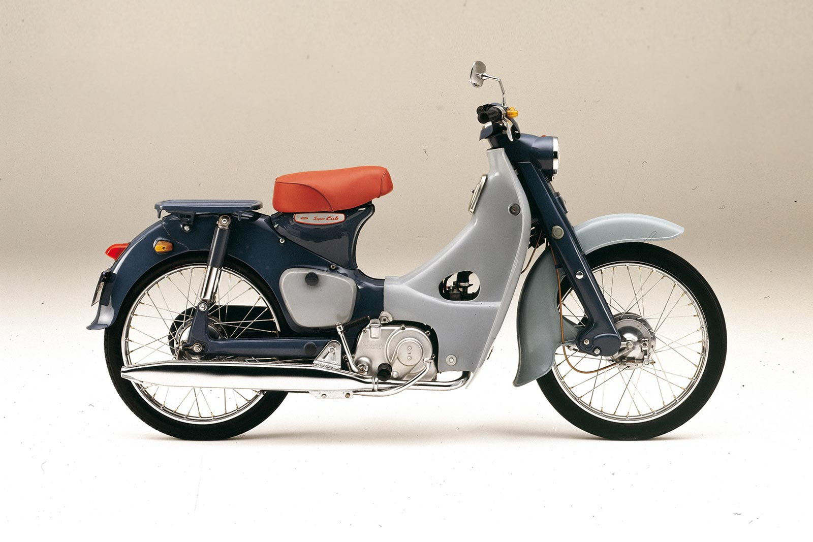 honda super cub becomes the first vehicle to obtain a three dimensional trademark in japan. Black Bedroom Furniture Sets. Home Design Ideas