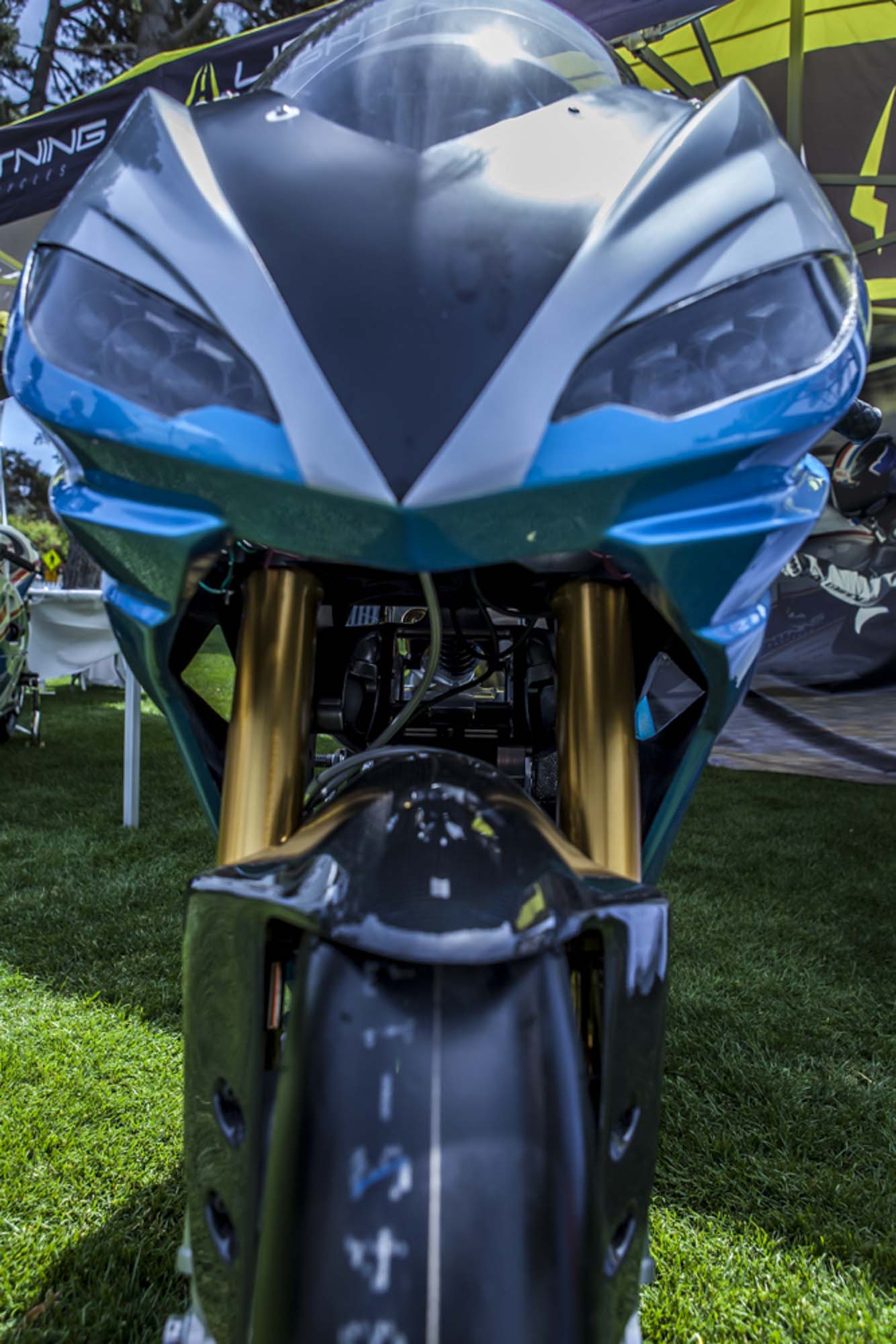 La sportive verte du futur - Page 15 Lightning-Motorcycles-LS-218-Quail-Lodge-Bryan-Delohery-03