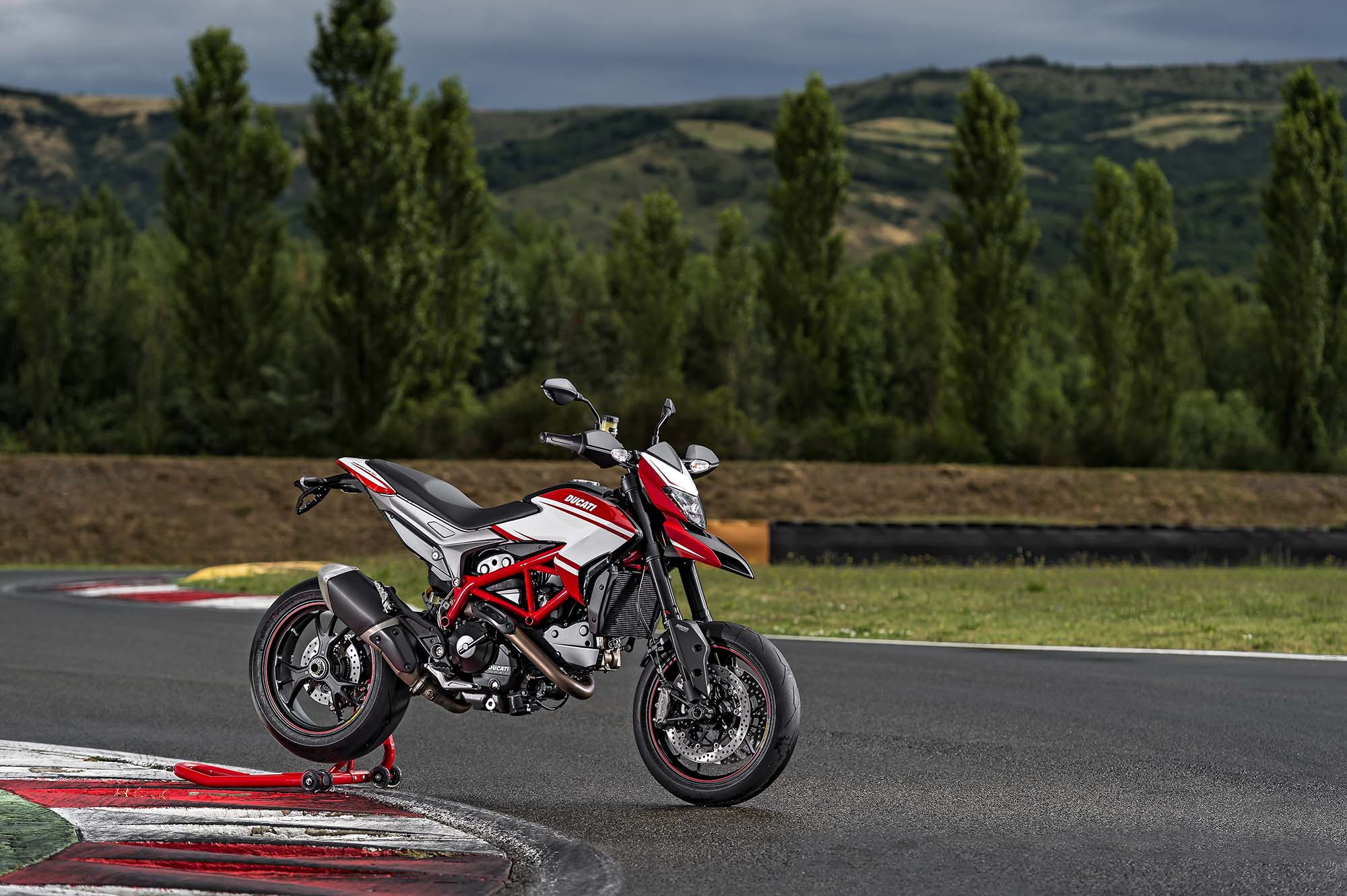 Ducati Hypermotard Sp Gets New Paint For 2015 Asphalt