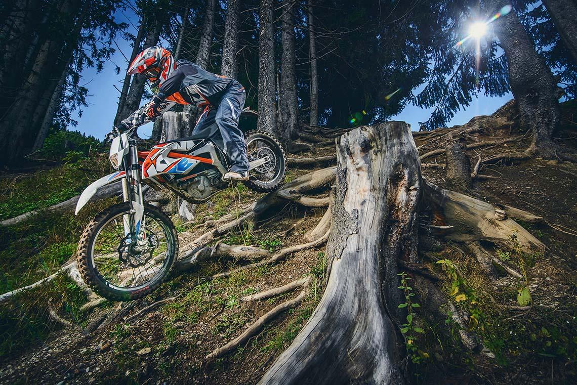 La sportive verte du futur - Page 15 KTM-Freeride-E-electric-dirtbike-E-SX-E-XC-39