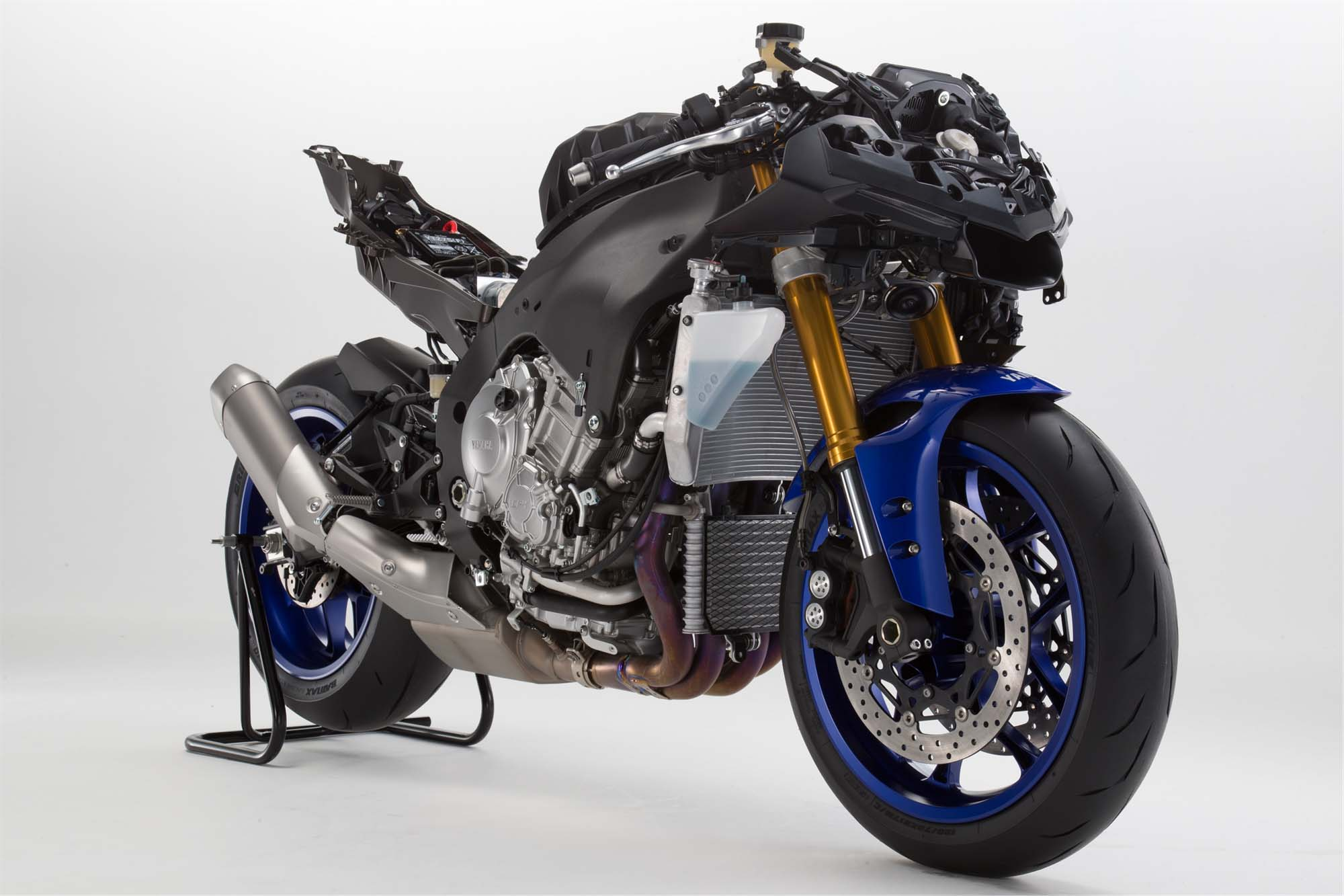 Yamaha yzf r1s spied in carb documents asphalt rubber for 2016 yamaha r1s
