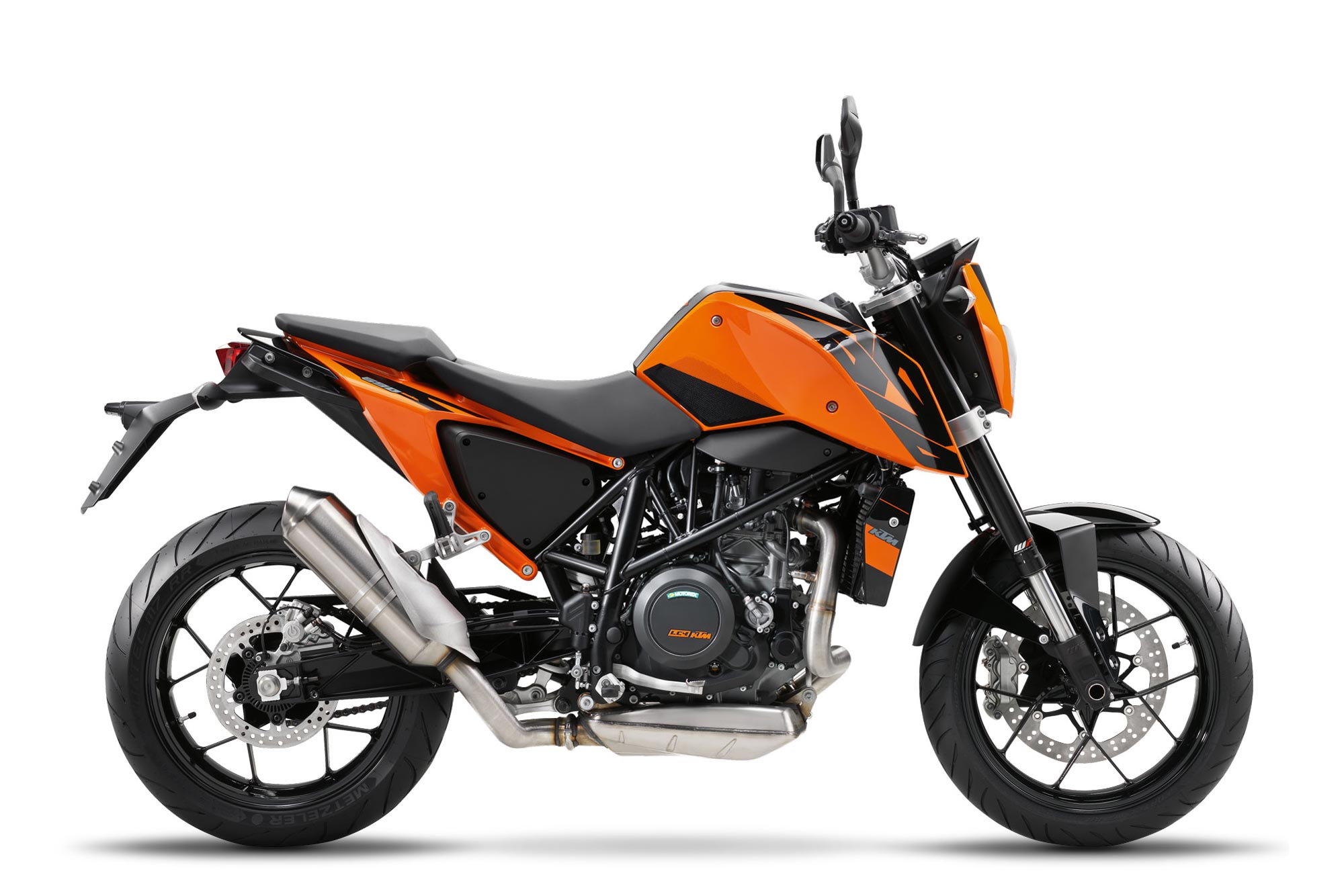 2016 ktm 690 duke learns some table manners. Black Bedroom Furniture Sets. Home Design Ideas