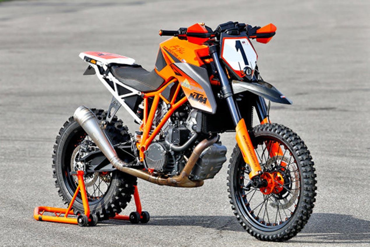 A Ktm 1290 Super Duke R Dirt Bike