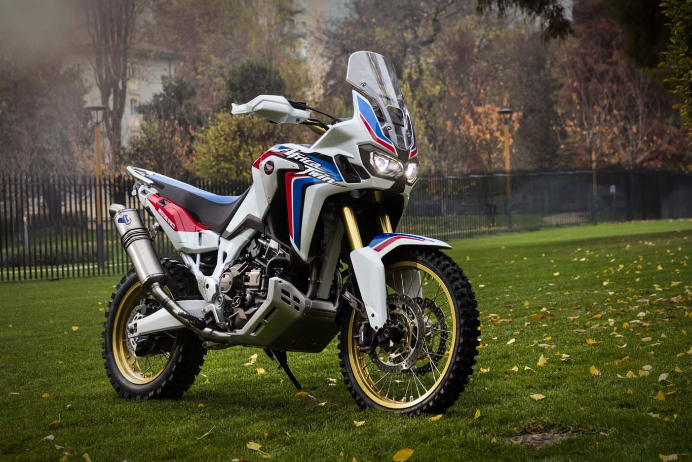 honda africa twin adventure sports concept. Black Bedroom Furniture Sets. Home Design Ideas