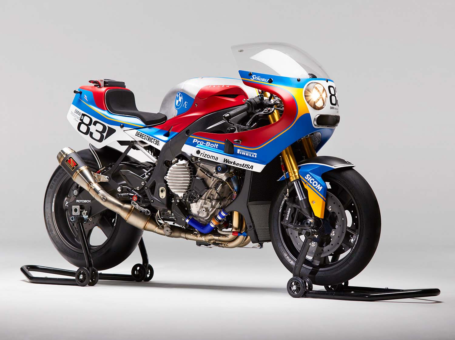 Praëm BMW S1000RR - Getting Modern with Retros Race Bike Photos