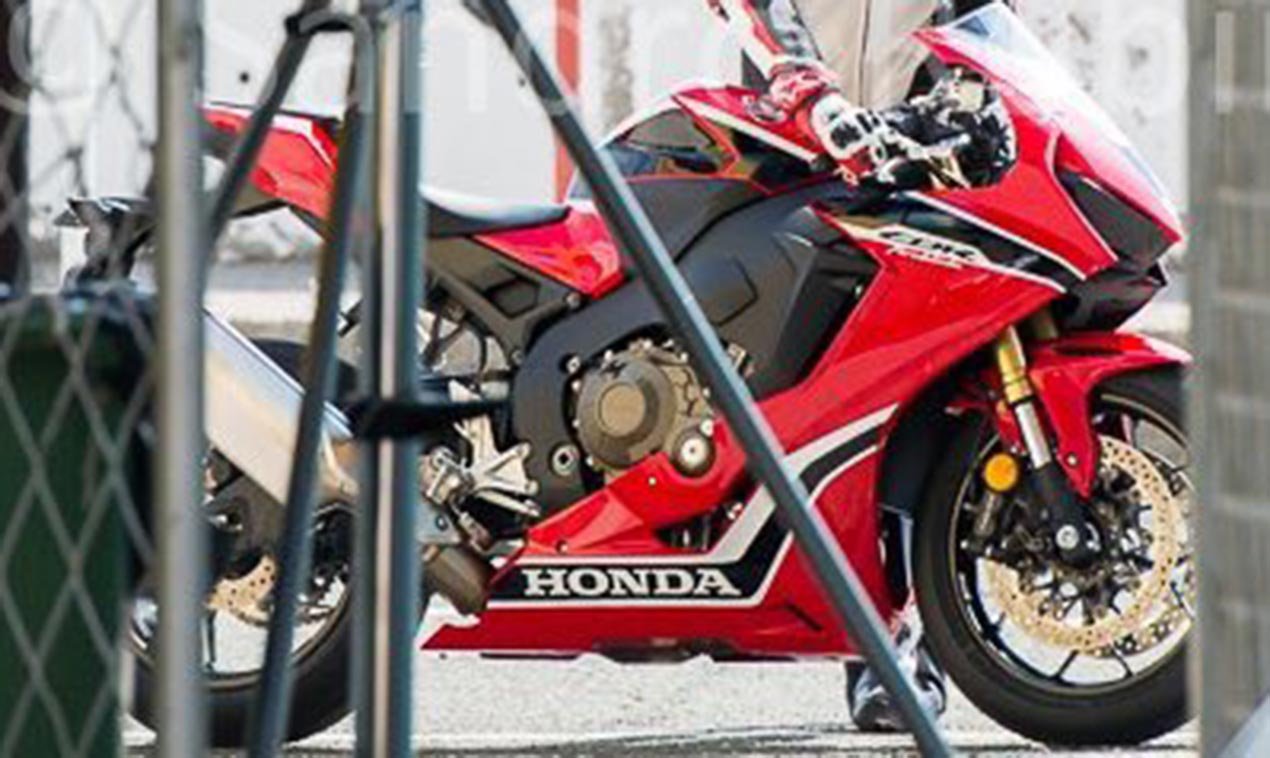 Hi, Are You the 2017 Honda CBR1000RR? - Asphalt & Rubber