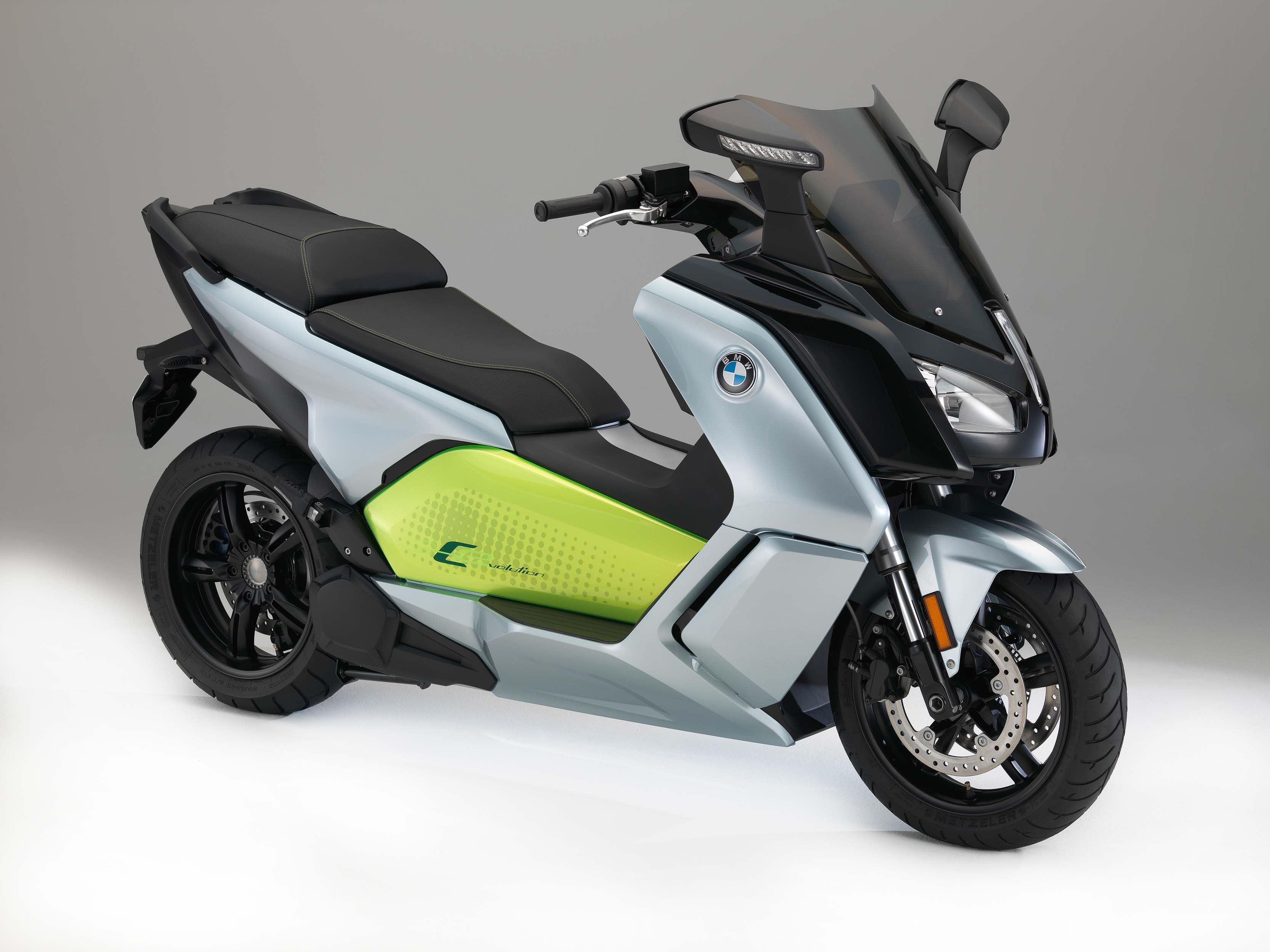 bmw c evolution electric scooter finally coming to the usa. Black Bedroom Furniture Sets. Home Design Ideas