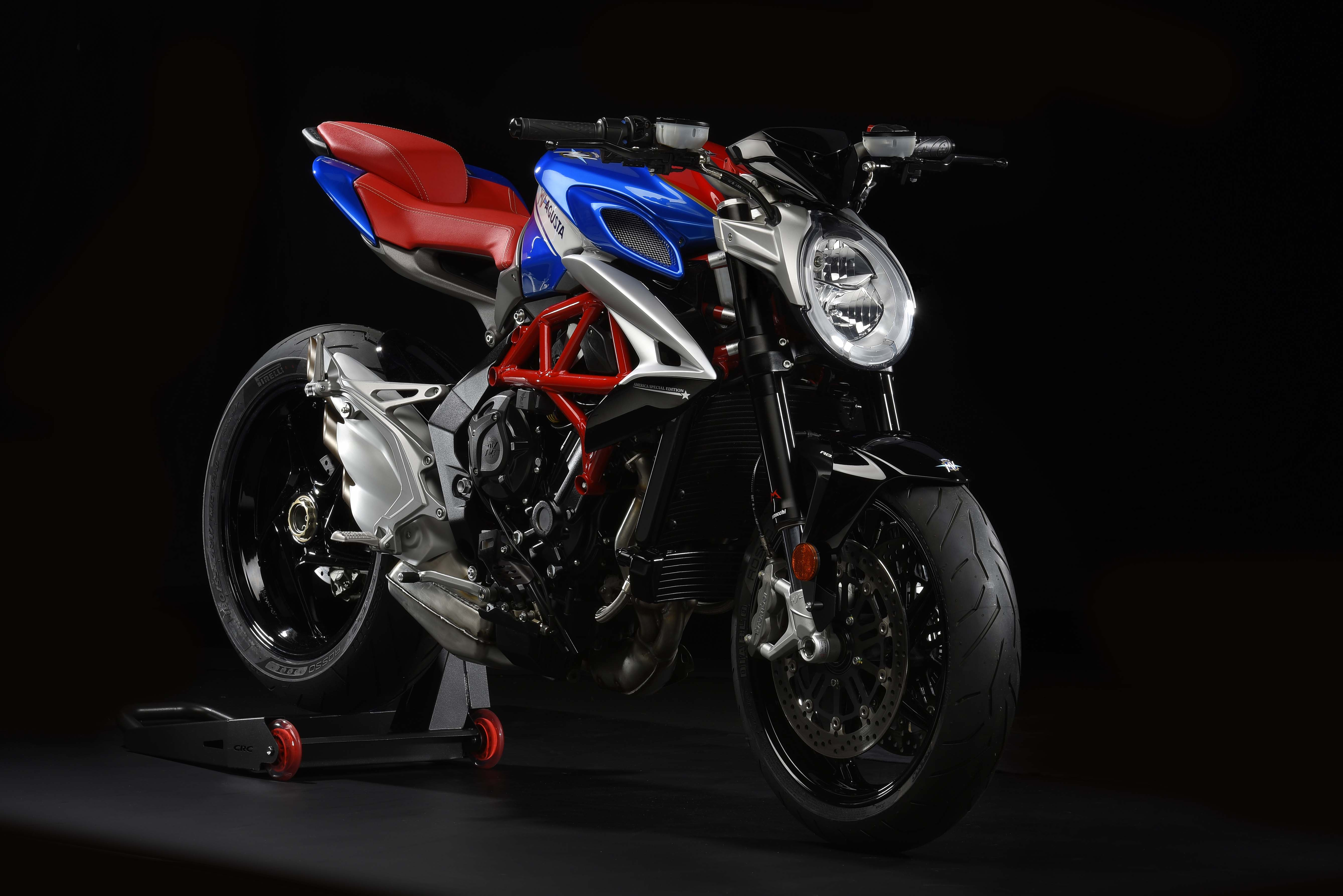 mv agusta brutale 800 america debuts for usa asphalt rubber. Black Bedroom Furniture Sets. Home Design Ideas