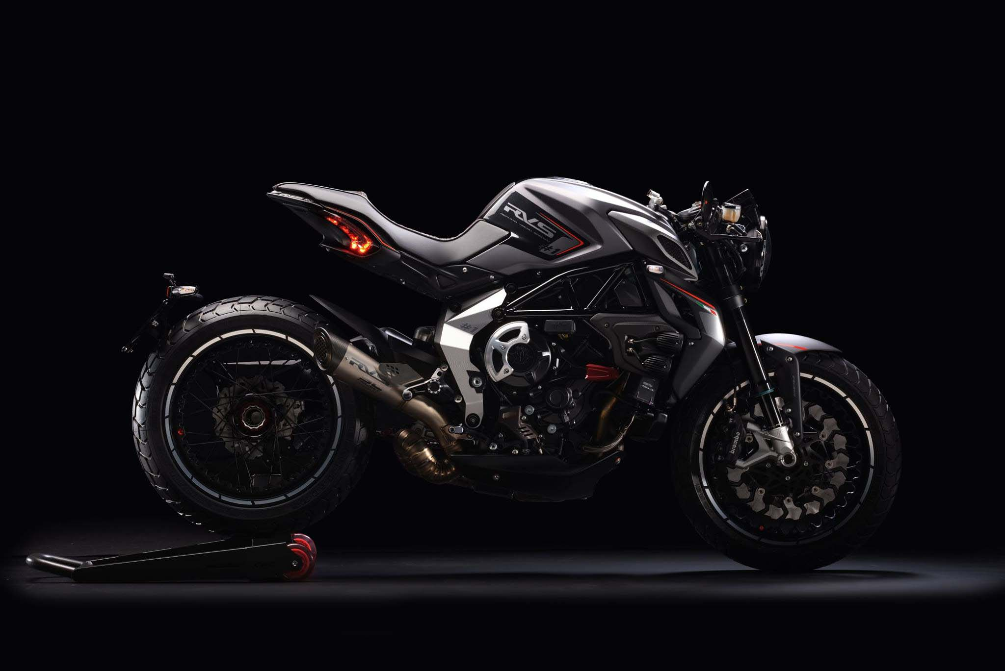more photos and details of the mv agusta rvs 1   asphalt amp rubber