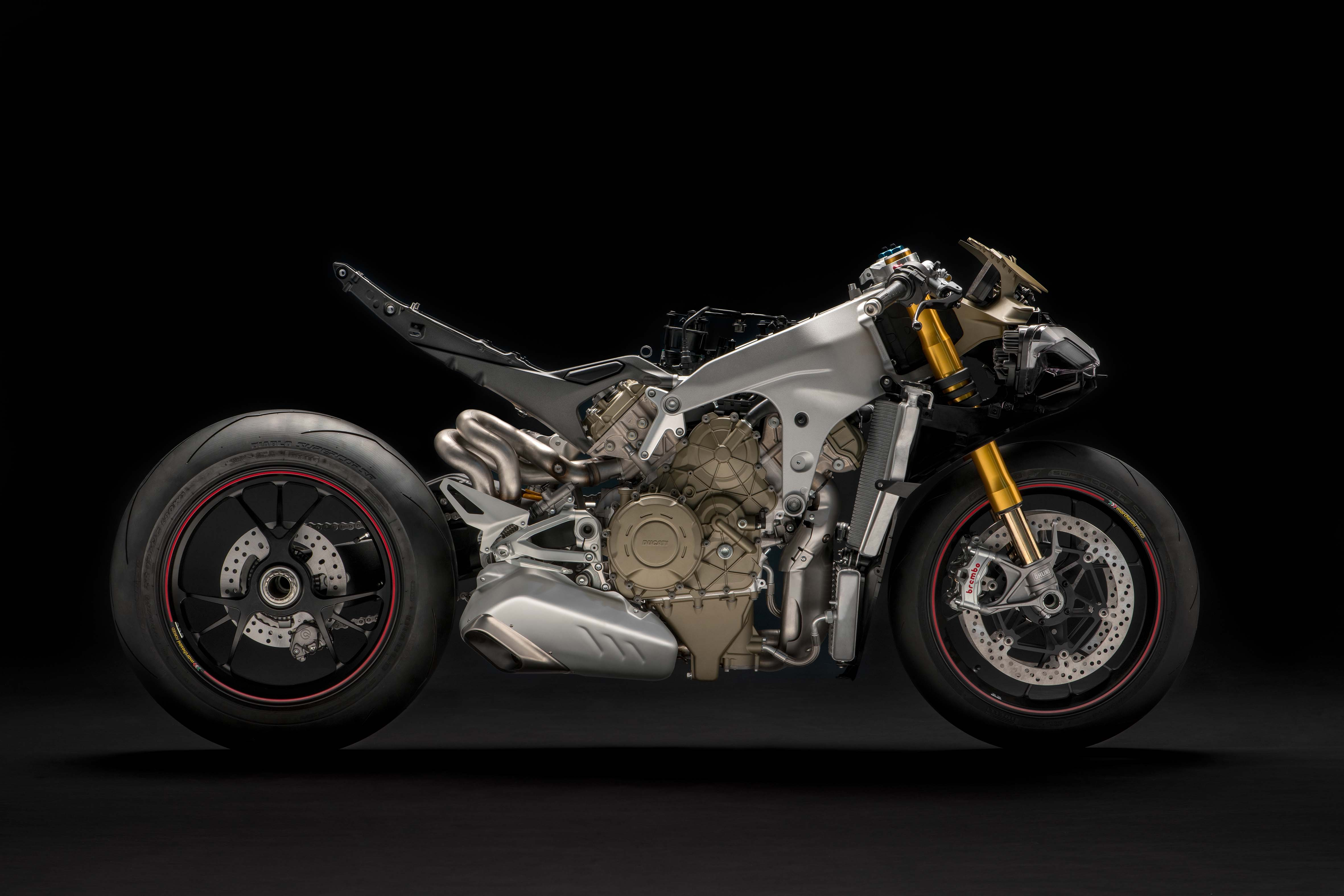 xxx the ducati panigale v4 with its clothes off asphalt rubber. Black Bedroom Furniture Sets. Home Design Ideas