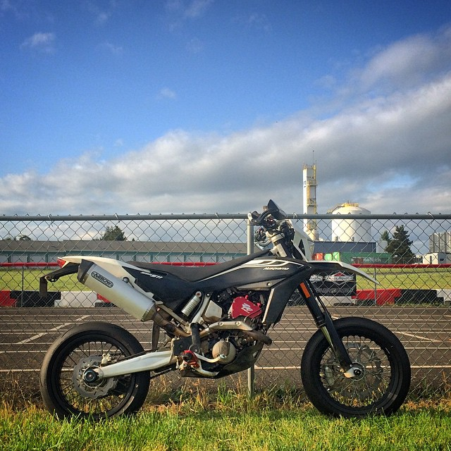 The #Brap Was Strong Today. #Supermoto #MacTrack #Motard #TrackDay #Motorcycle #MotoLife #Moto #Husqvarna #SMR511 #DragFeetNotKnees #Bike #BikeLife #Ride #Race #InstaMoto #InstaGood #Oregon #Adventure