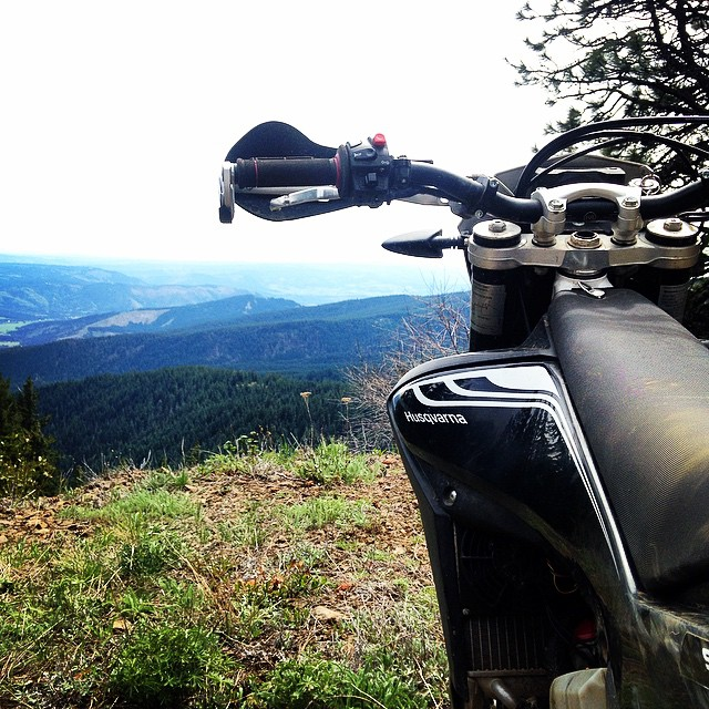 Brap Date. #Moto #Motorcycle #Motorbike #DirtBike #Motorsport #Adventure #Enduro #Outdoors #Beauty #InstaMoto #InstaGood #Bike #BikeLife #BikersOfInstagram #Ride #Weekend #husqvarna