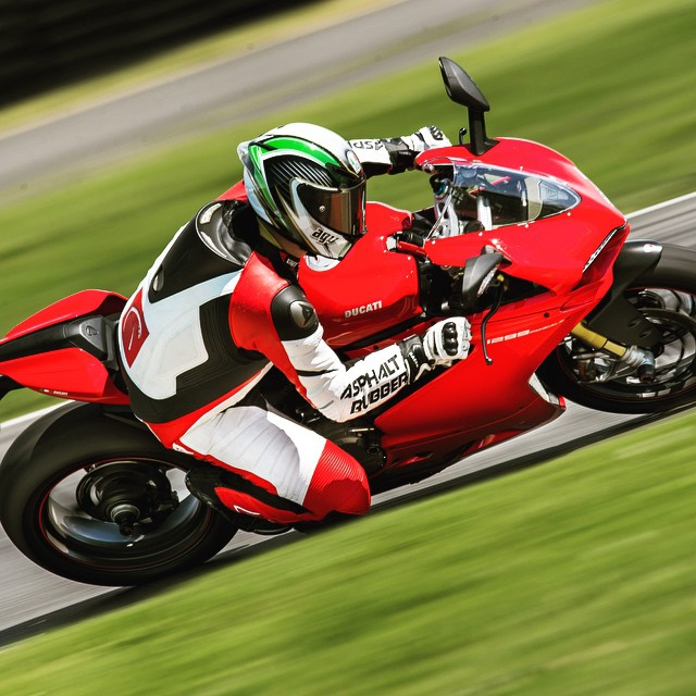 This #Ducati #1299 Actually Has #BeastMode. Rode a Few Sessions here at #PIR Thanks to @motocorsa. Photo: @360photography #TrackDay #Stock #Portland #Oregon #Moto #Motorbike #Motorcycle #Biker #Bike #BikeLife #InstaMoto #Ride #Race #MotoCorsa #DucatiPeople